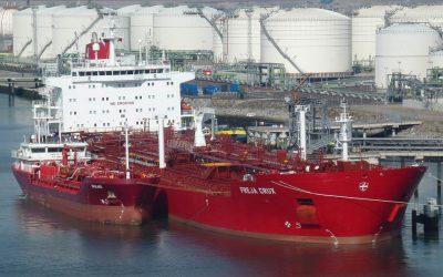 Le pétrole que brûlent les gros navires marchands est dans le viseur des autorités (source Le Temps)